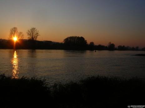 Sonnenutergang Elbe